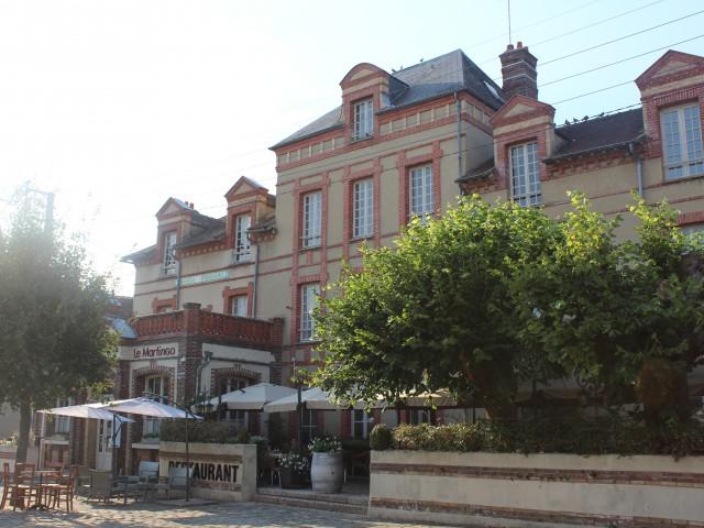 Café de la Paix façade restaurant