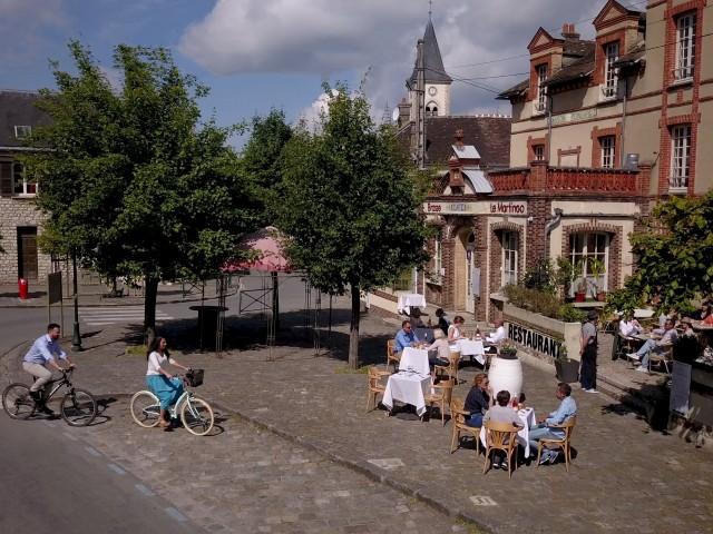 Café de la Paix Tournage sur les villages de caractère des Pays de Seine